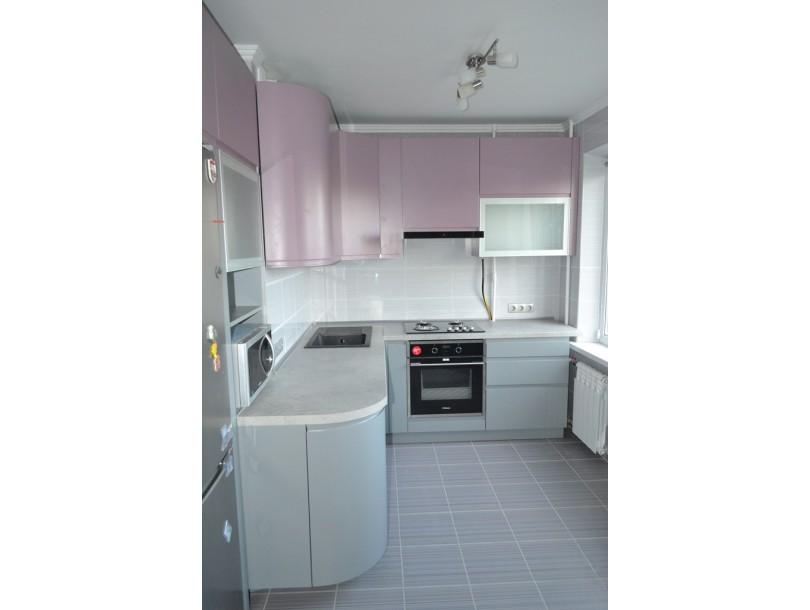 Кухня в розово-серых тонах на заказ