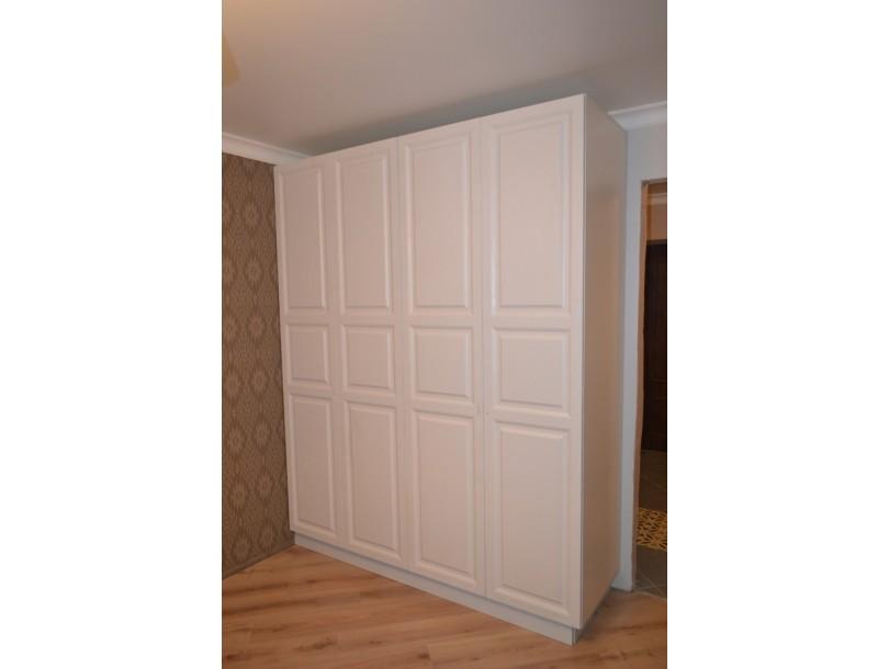 Белый шкаф в скандинавском стиле на заказ