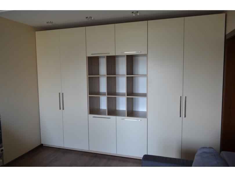 Современный шкаф в зал на заказ