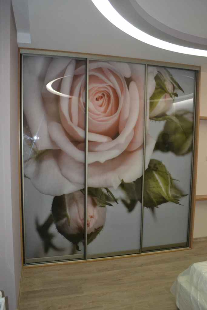 Шкаф купе с фотопечатью розы на заказ