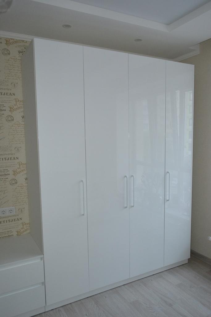 Шкаф белый глянец на заказ