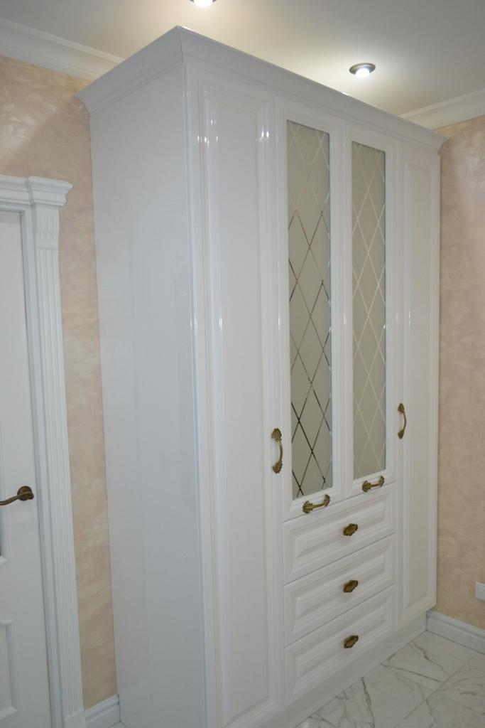 Шкаф классический белый глянец на заказ