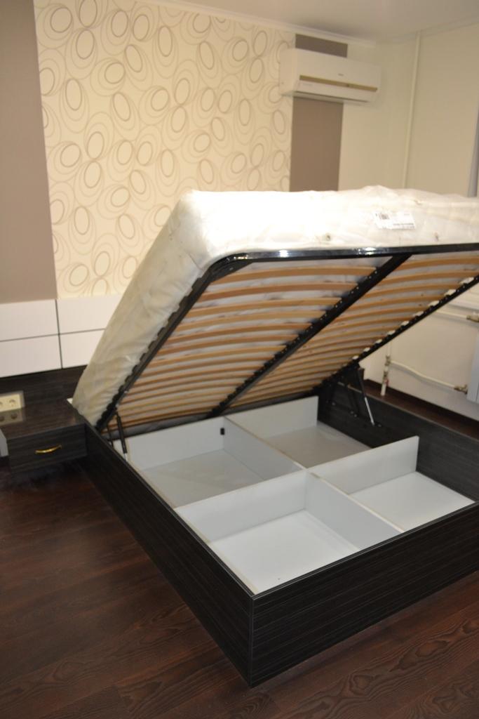 Мебель для спальни черная с белым на заказ
