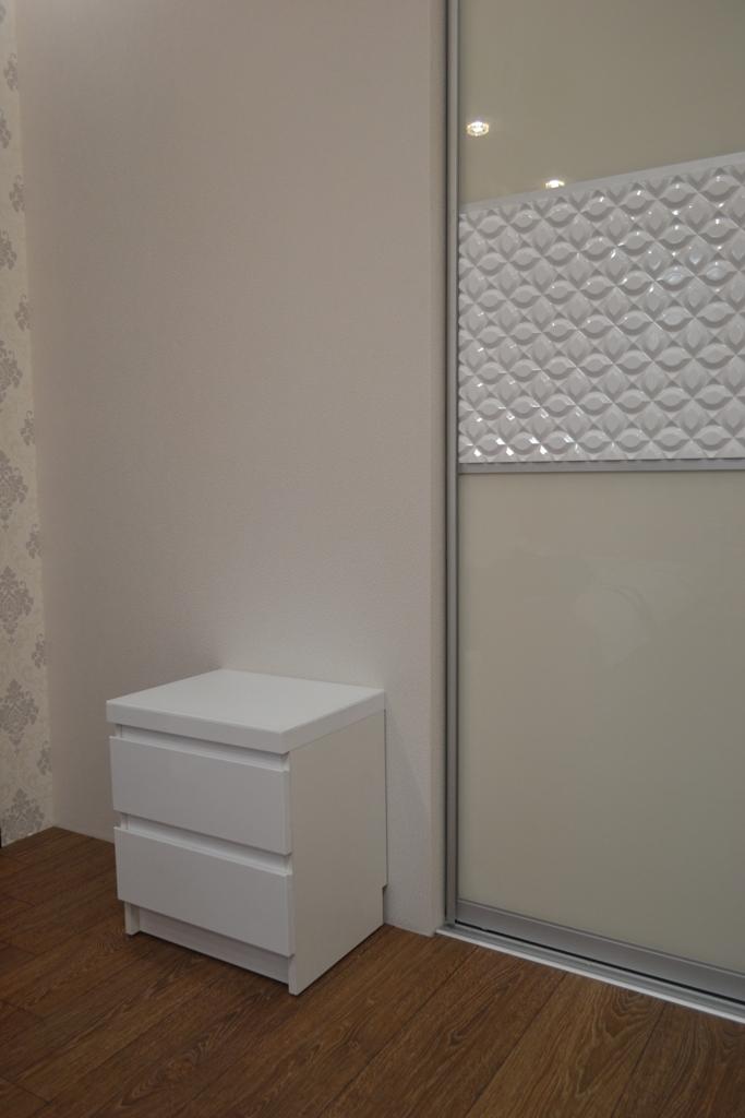Меблі в спальню кремово-білі на заказ