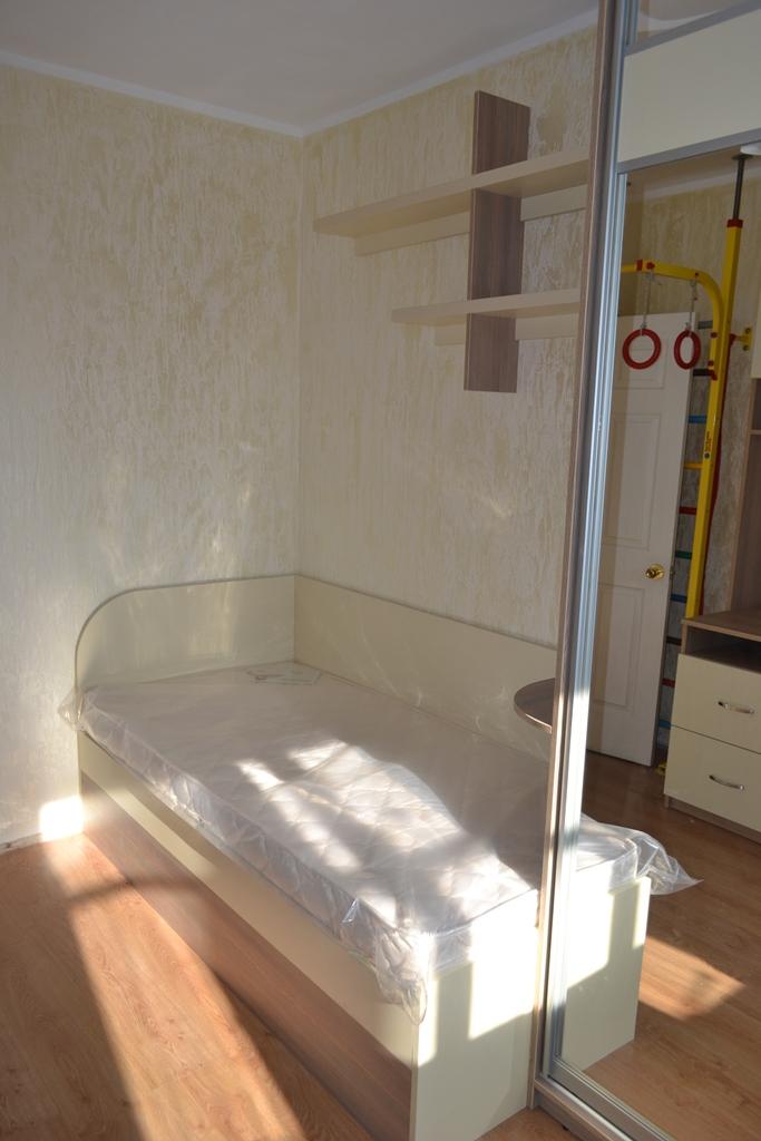Комбинированная мебель в детскую  на заказ